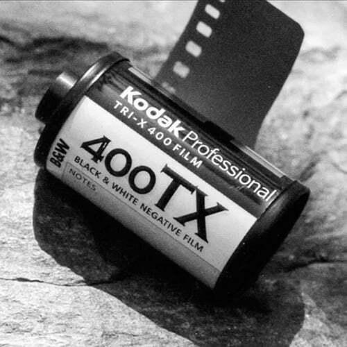 carrete 35mm kodak trix 400 una de las mejores peliculas en blanco y negro para camaras analogicas leica